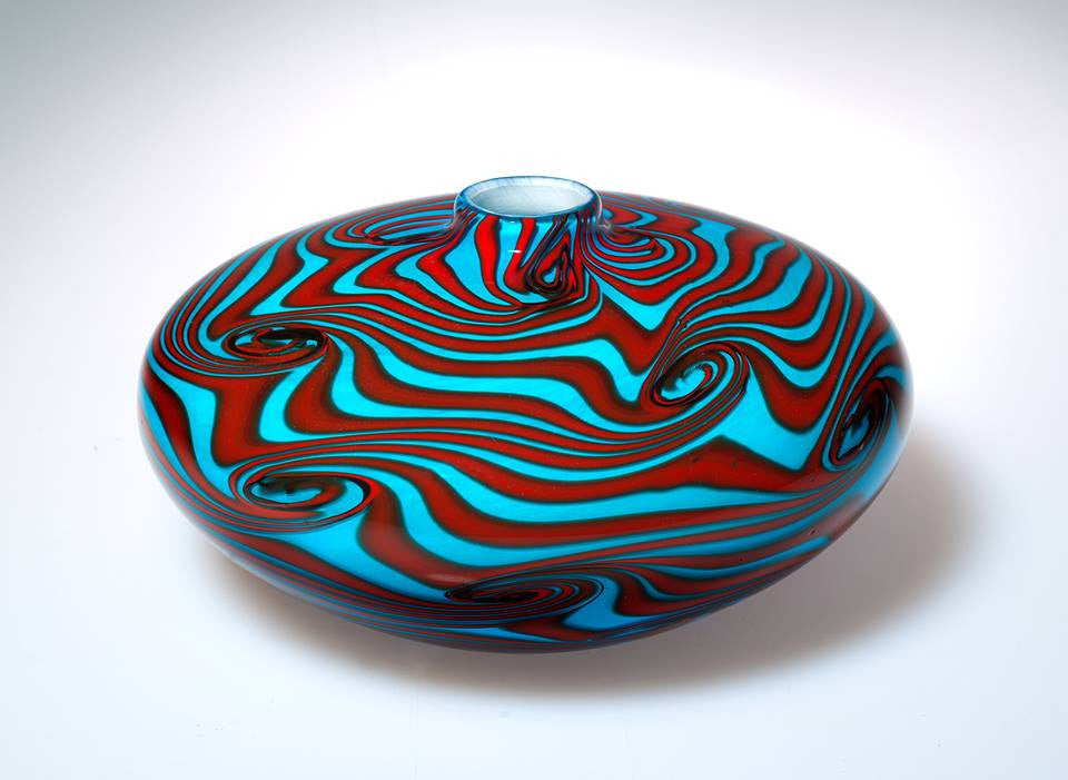 Glass / Peter Vizzusi - Christine Charter Moorhead - Elaine Hyde / hand-blown glass that's infused with passion and uniquely beautiful style