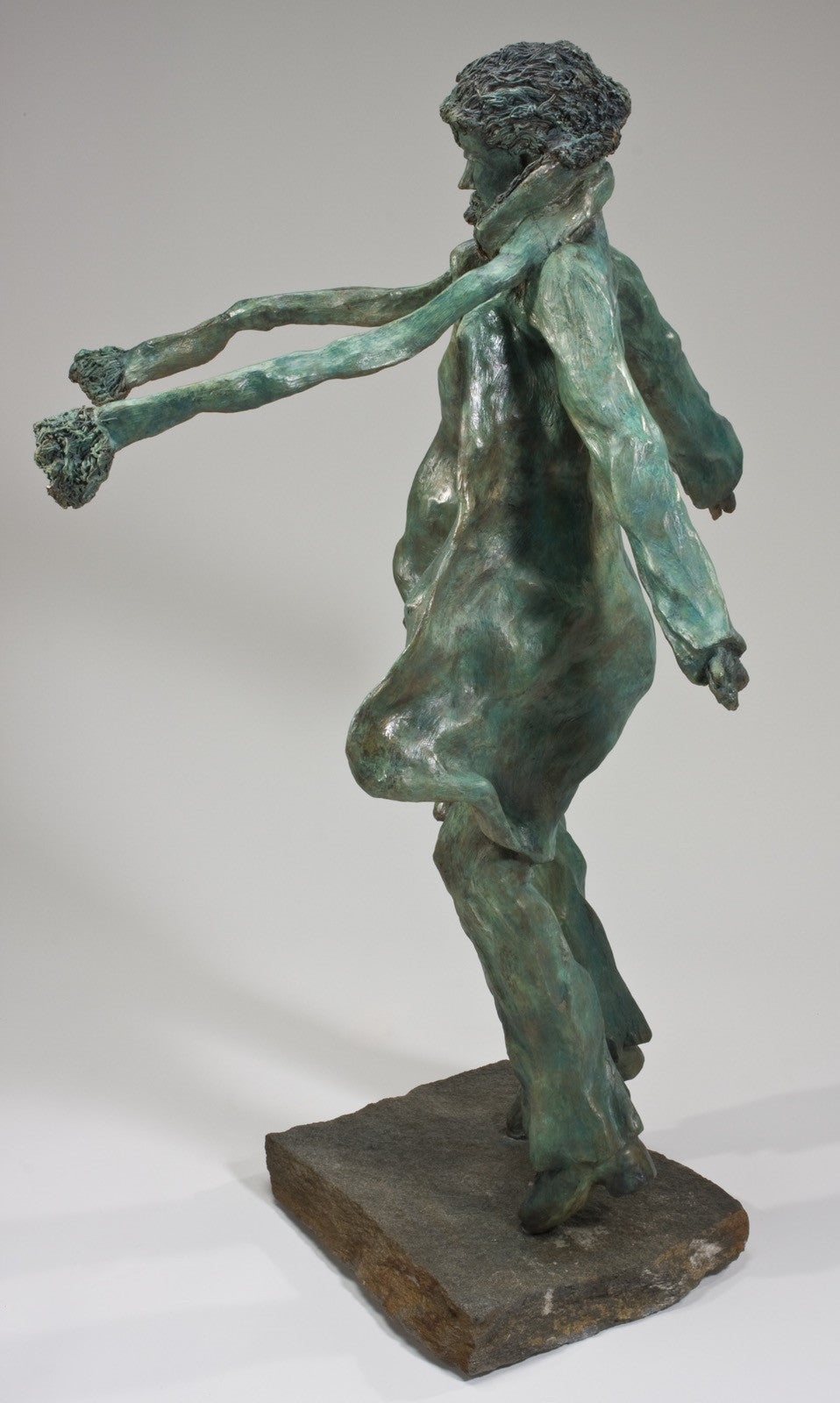 Windy Girl / 43x26x26 / bronze