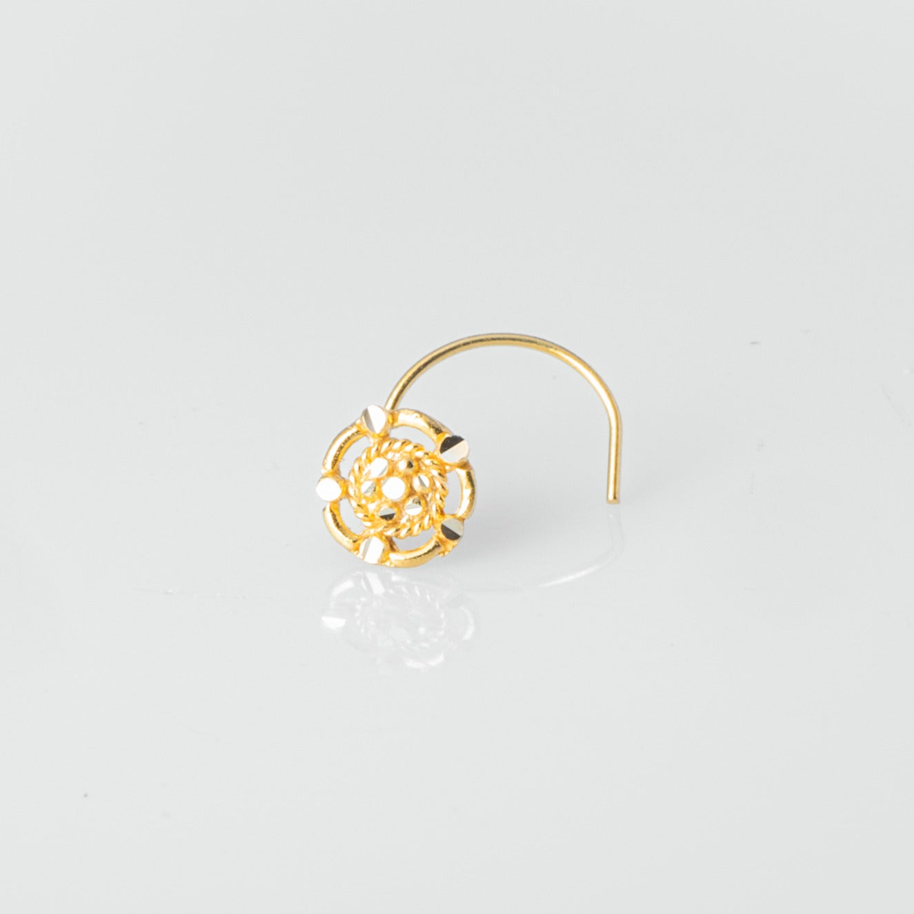 18ct Yellow Gold Wire Coil Back Nose Stud with Filigree Design NIP-5-130a