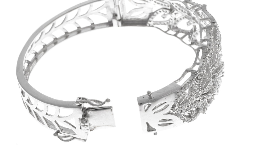 Stone Set 18ct White Gold Cubic Zirconia Bangle (40.1g) (B-1466)