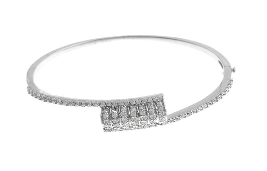 18ct White Gold Bangle with Cubic Zirconia Stones (11g) (B-1481)