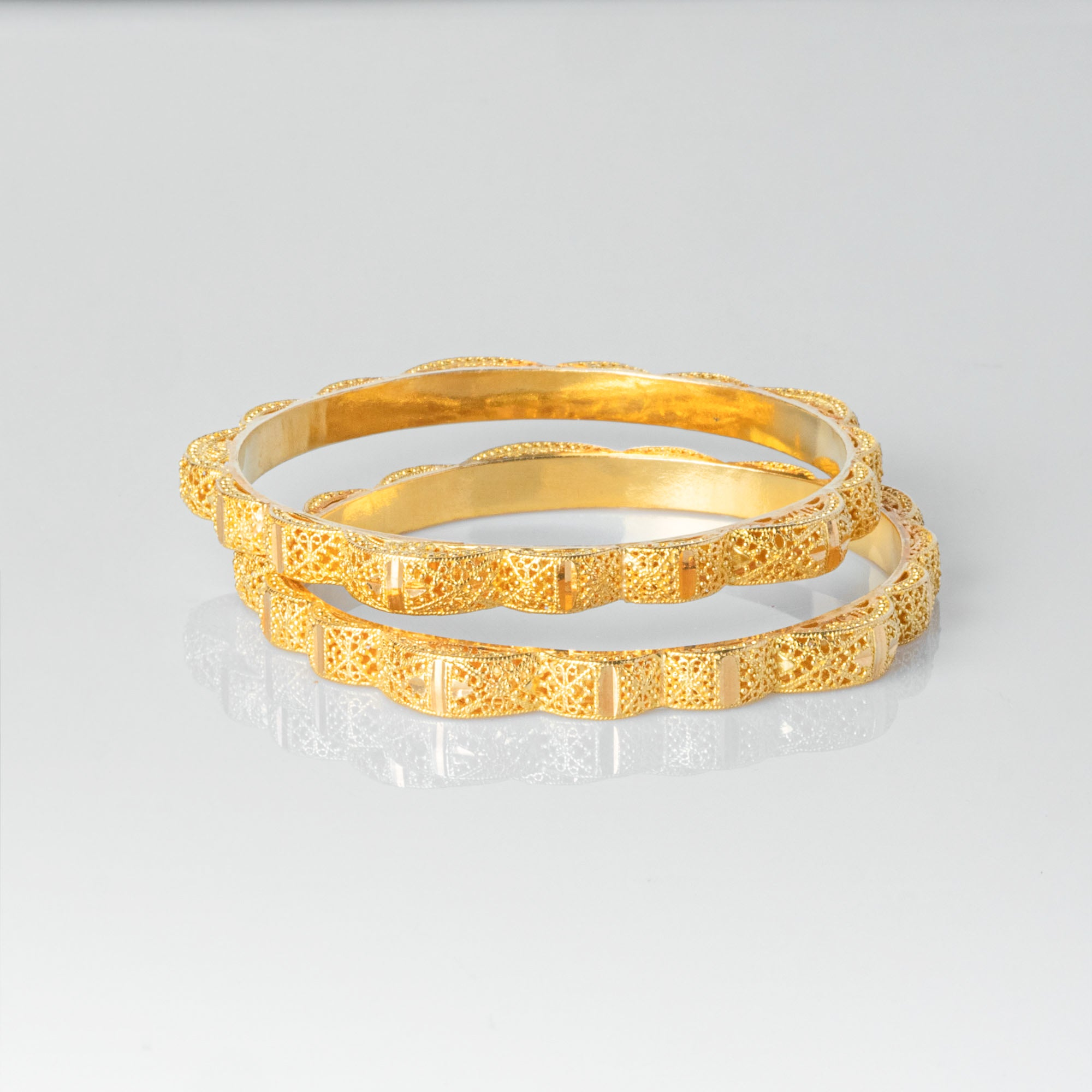 22ct Gold Bangle with Diamond Cut Filigree Design B-1511