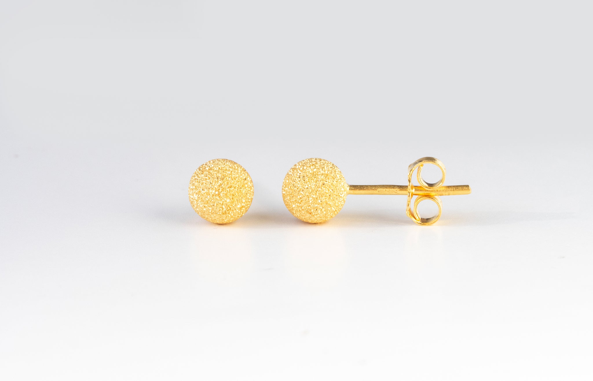 22ct Gold Diamond Cut Stud Earrings with Push Backs (2.4g) E-7765