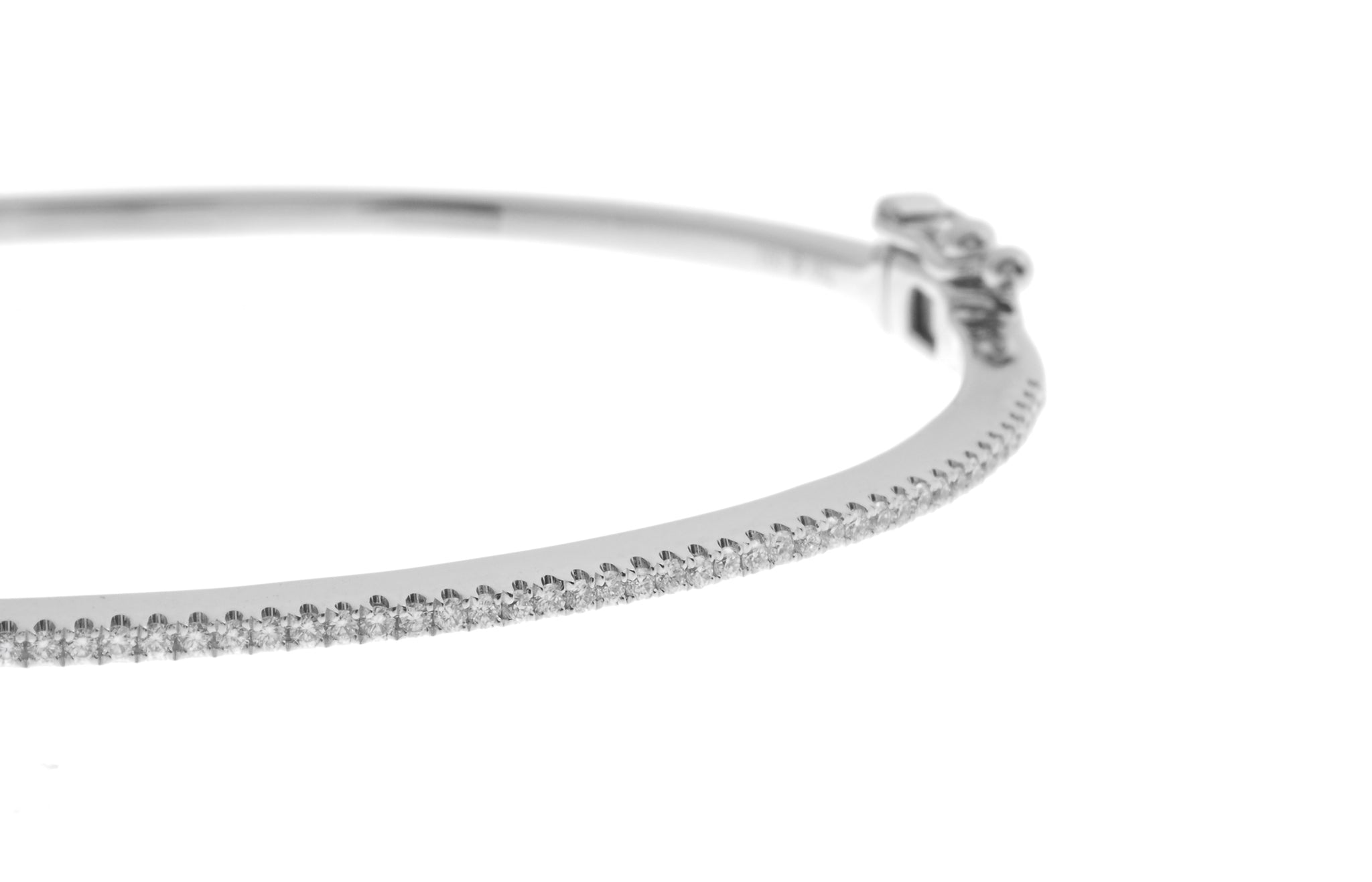 18ct White Gold Diamond Bangle with clasp (G30701-58)_2