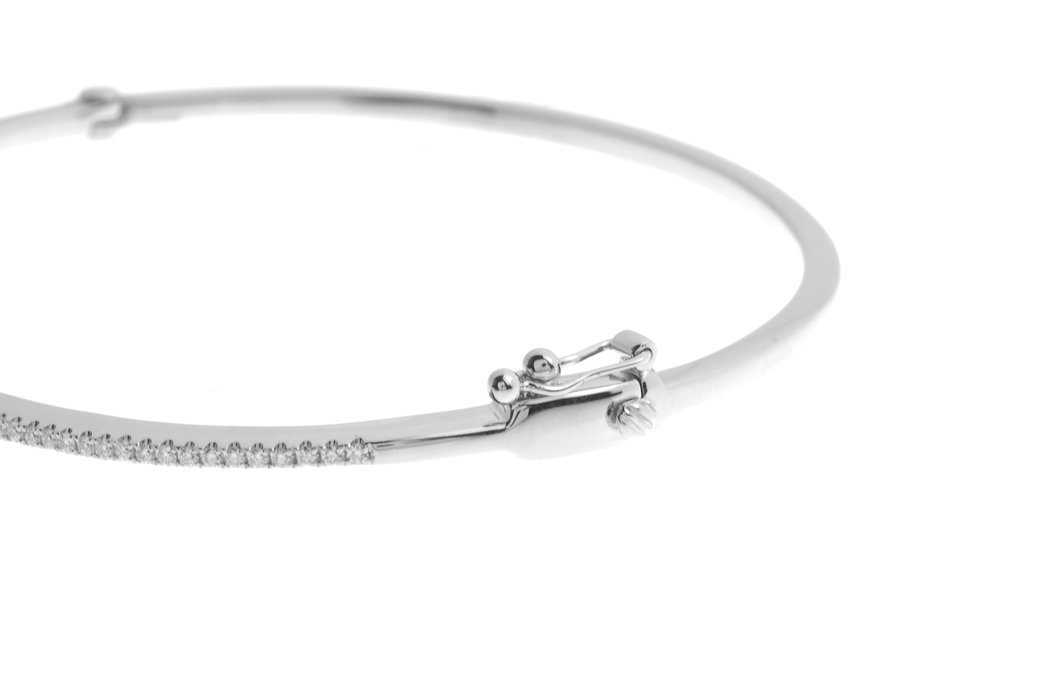 18ct White Gold Diamond Bangle with clasp (G30701-58)_3