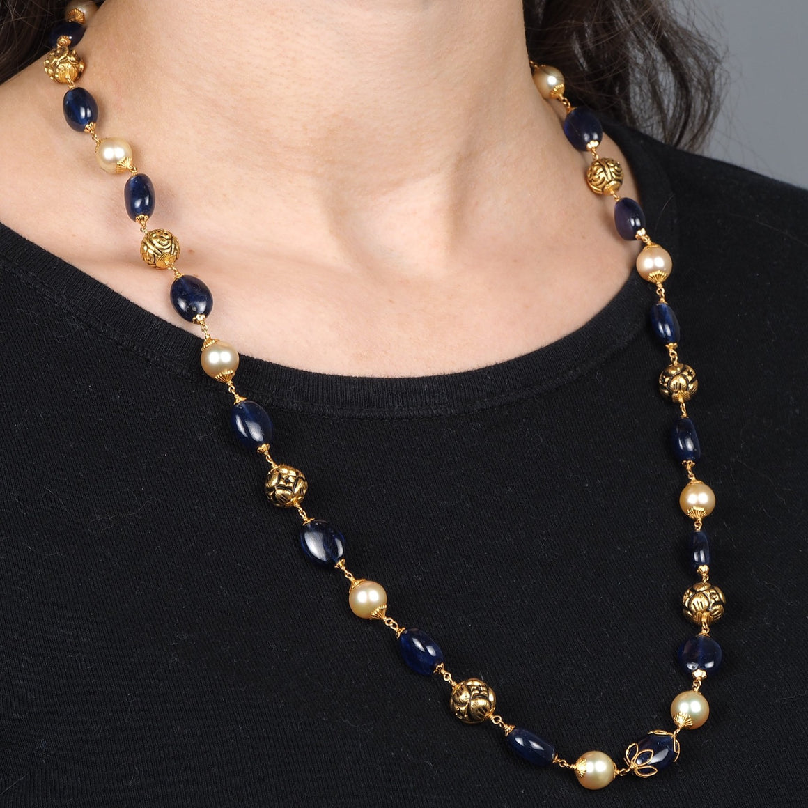 22ct Gold Antiquated Look Necklace with Cultured Pearls and treated Blue Sapphires (GMS-D848)