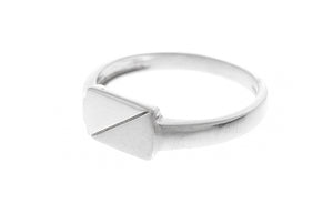 18ct White Gold Signet Ring (4.1g) GR-2466