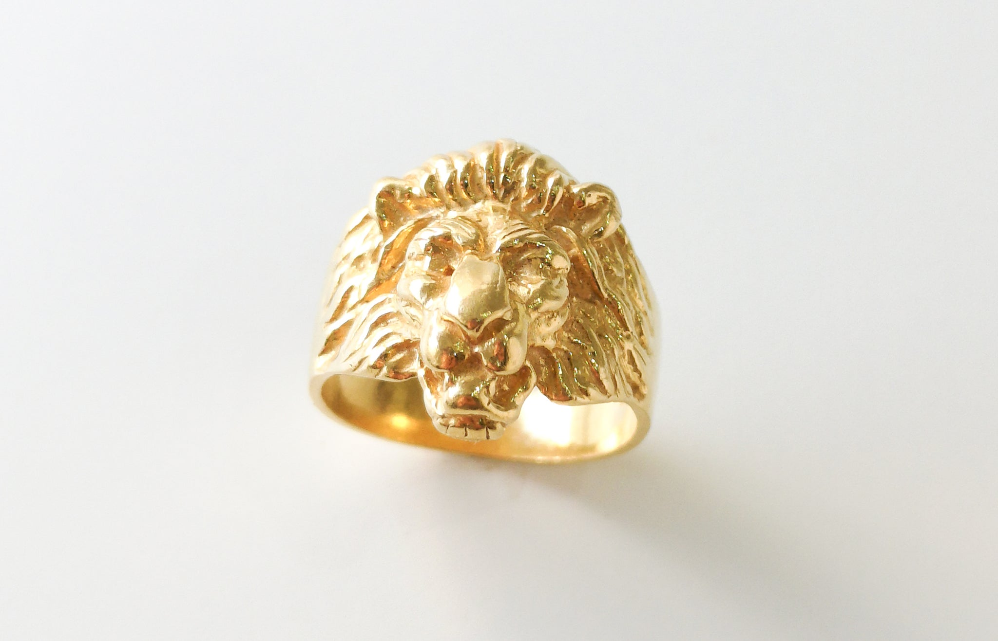 Lion Ring Gents 22ct Gold (10.3g) GR-5889
