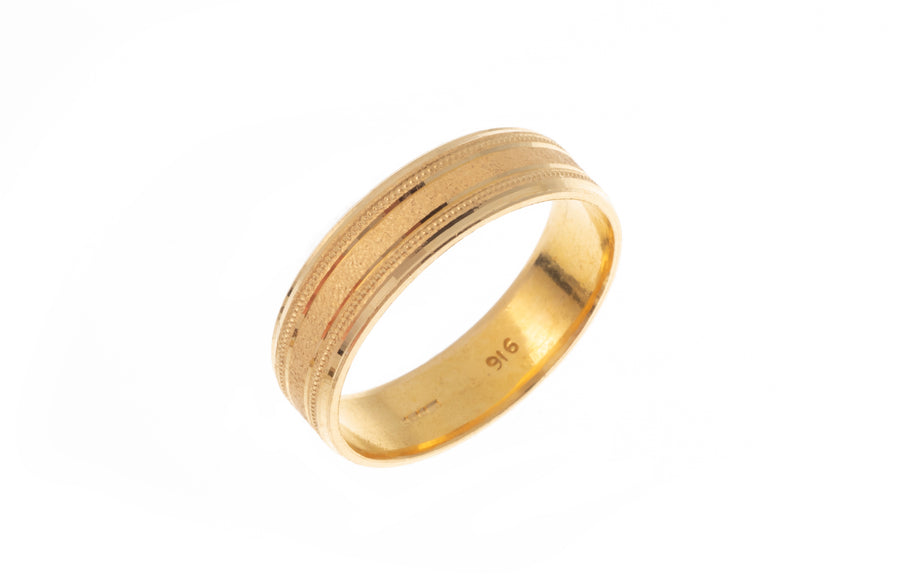 22ct Gold Gents Wedding Band with Diamond Cut Design (7.8g) GR-7369