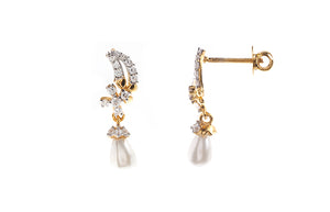 22ct Gold Earrings set with Cubic Zirconia stones and Cultured Pearls (4.05g) (HET13003)
