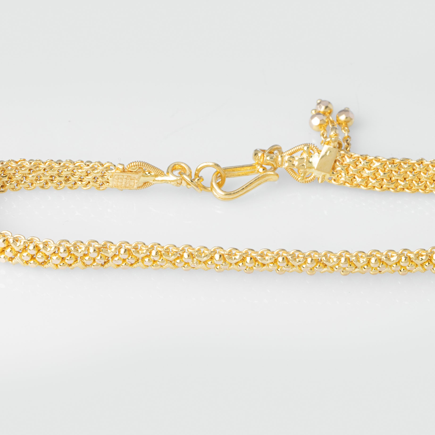 22ct Gold Ladies Bracelet with Hook Clasp and Three Drops (12.1g) LBR-3975
