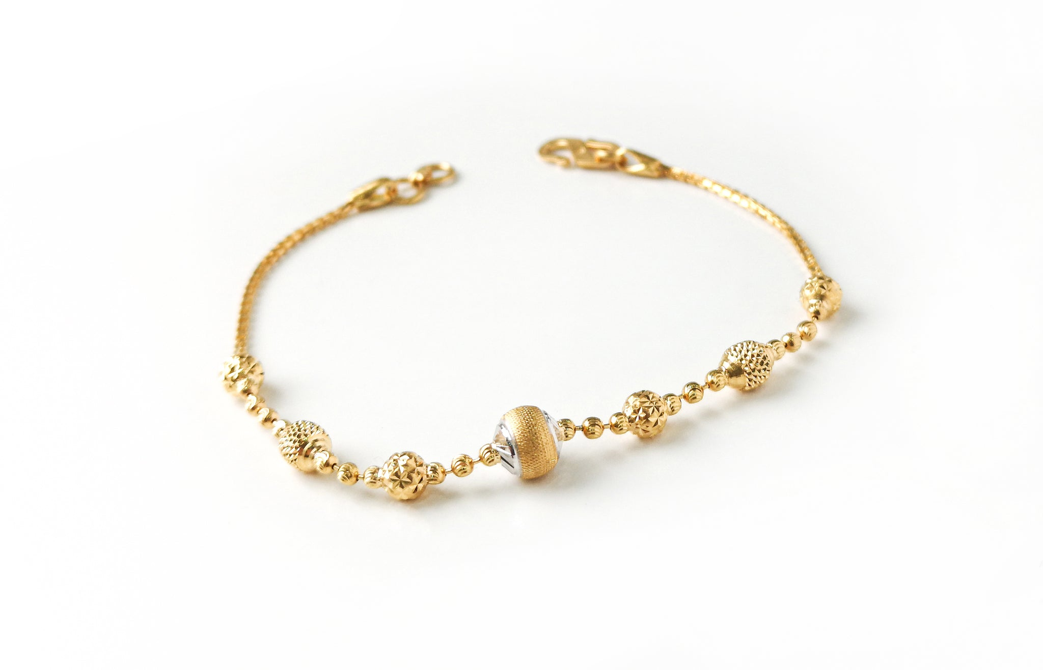 22ct Gold Bracelet with Diamond Cut and Rhodium Design (4.7g) LBR-7660