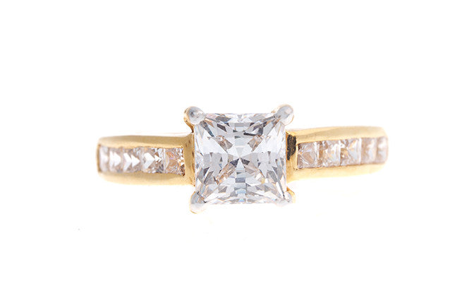 22ct Gold Cubic Zirconia Engagement Ring LR8215