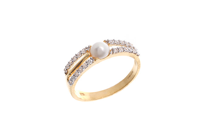 22ct Gold Cubic Zirconia and Cultured Pearl Dress Ring LR9037