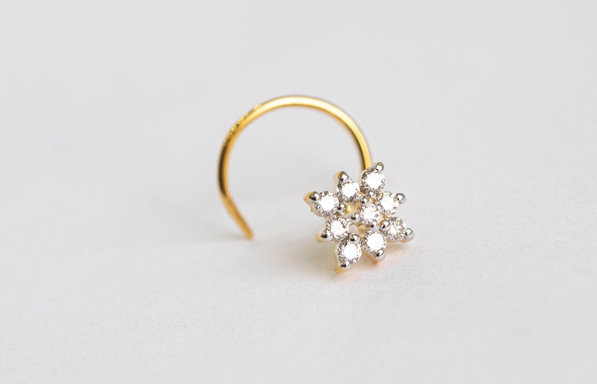 18ct Gold 0.11ct Diamond Cluster Nose Stud MCS2790