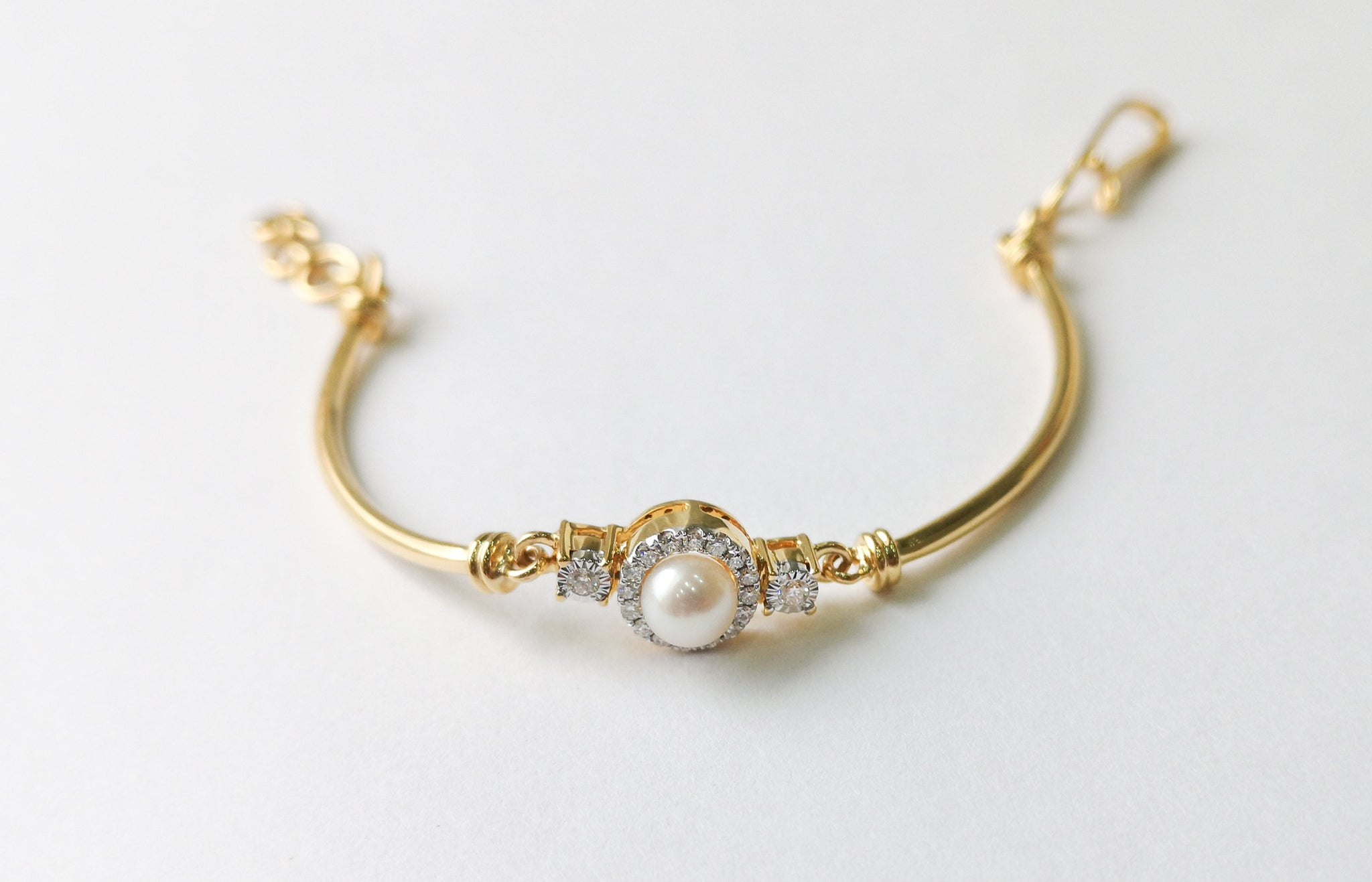 18ct Yellow Gold Diamond and Cultured Pearl Children's Bracelet MCS3613