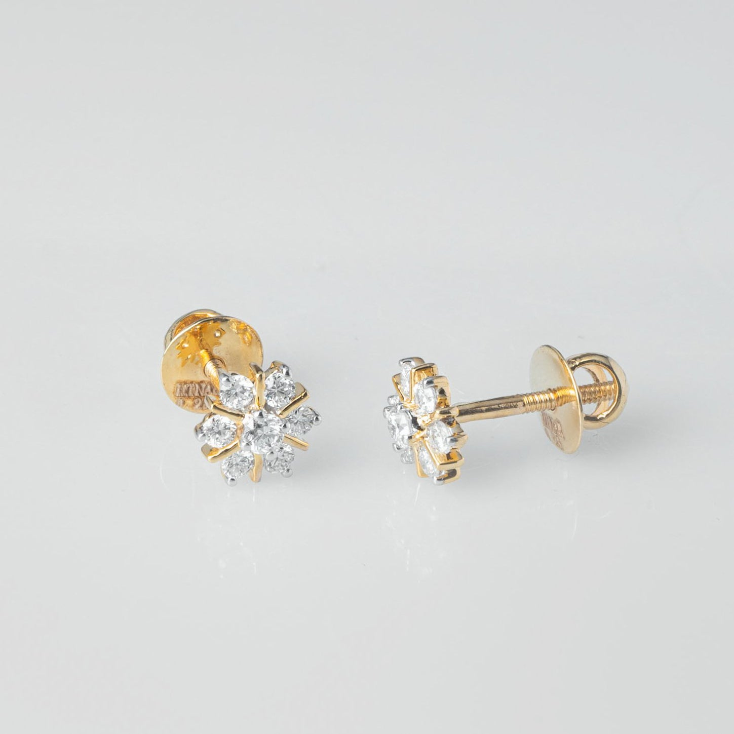 18ct Yellow Gold 0.28ct Cluster Cut Diamond Stud Earrings (MCS3682)