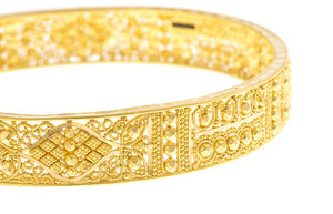 22ct Gold Bangles with intricate diamond cut filigree design (B-1499) - Close Up_1