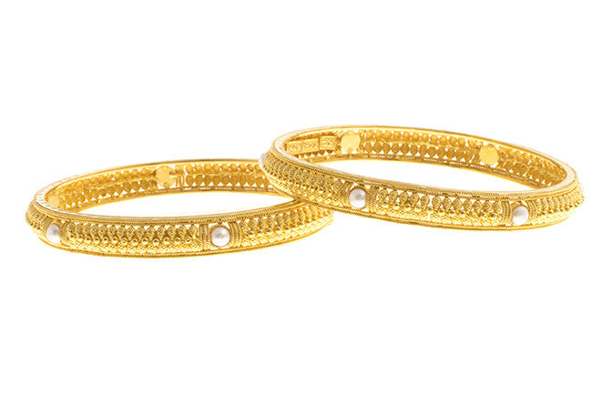 Filigree 22ct Yellow Gold Bangle with Cultured Pearls B-1509