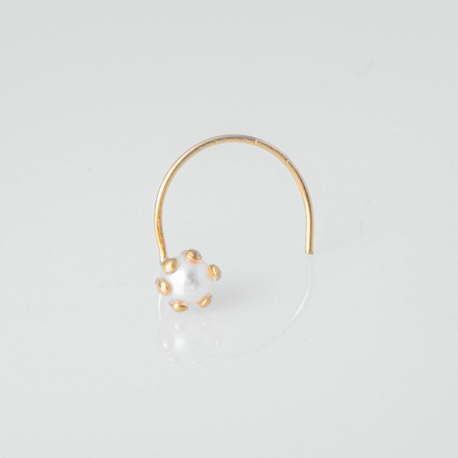 18ct Yellow Gold Wire Coil Back Nose Stud set with Cultured Pearl (3 - 3.5mm) NIP-2-530