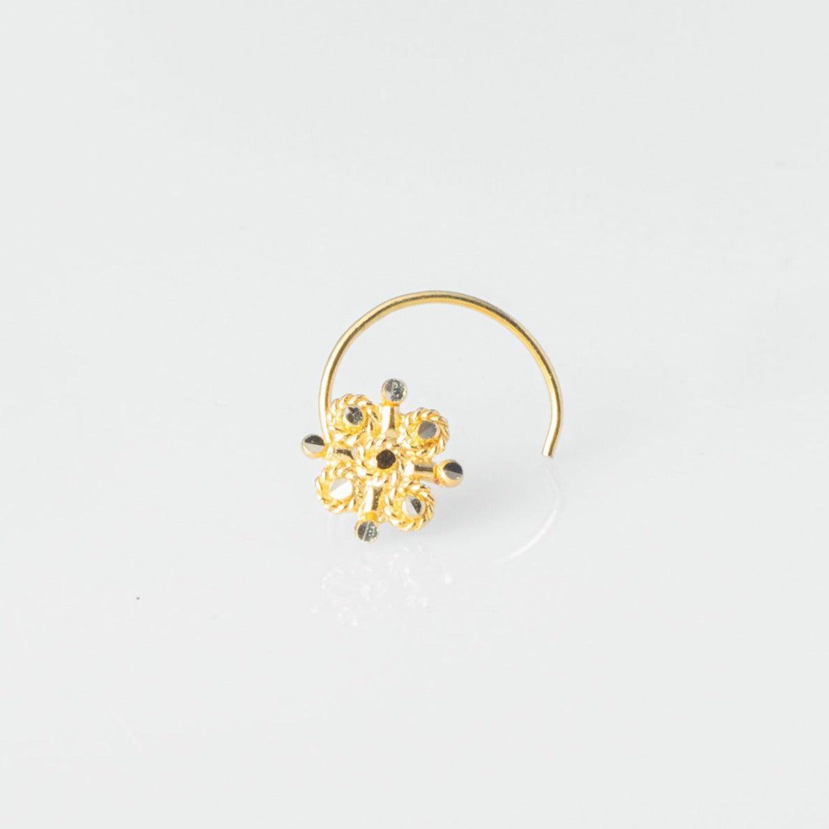 18ct Yellow Gold Wire Coil Back Nose Stud with Filigree Design NIP-5-130d