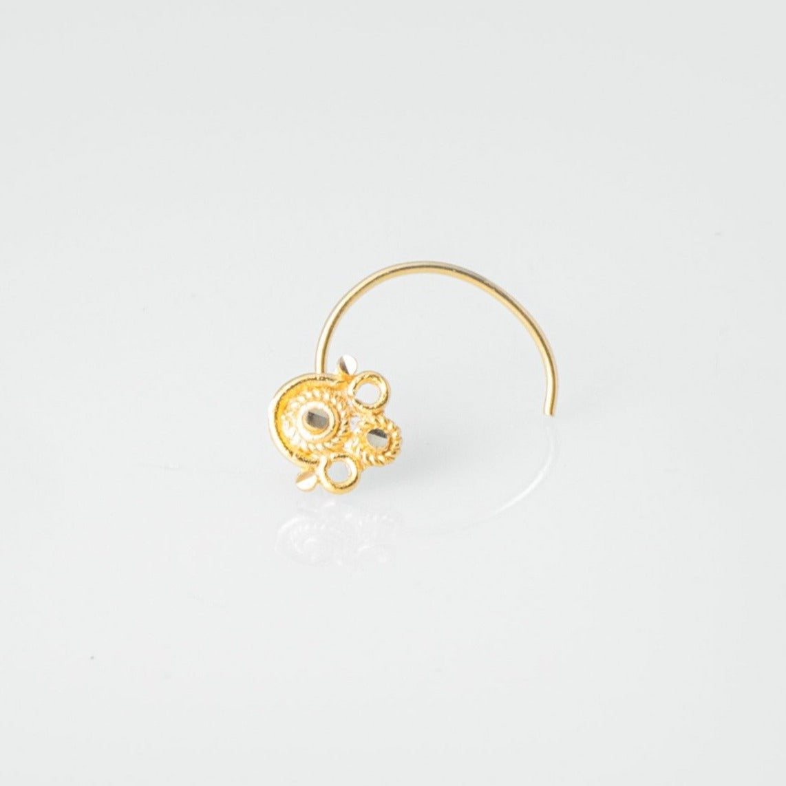 18ct Yellow Gold Wire Coil Back Nose Stud with Filigree Design NIP-5-130e