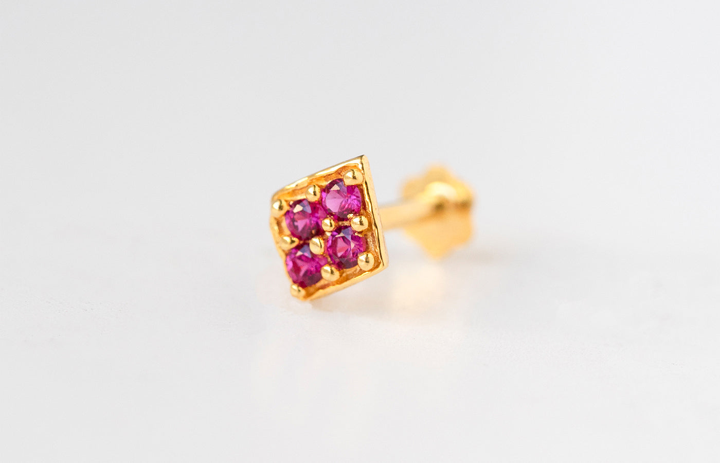 18ct Yellow Gold Screw Back Nose Stud set with four pink Cubic Zirconias NIP-5-570a