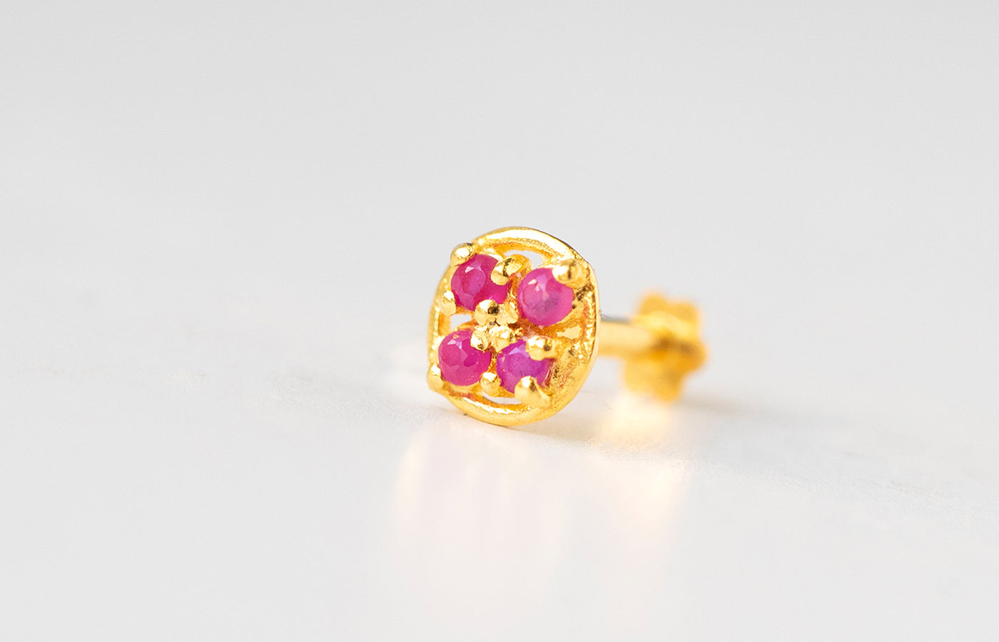 18ct Yellow Gold Screw Back Nose Stud set with four red Cubic Zirconias NIP-5-720a