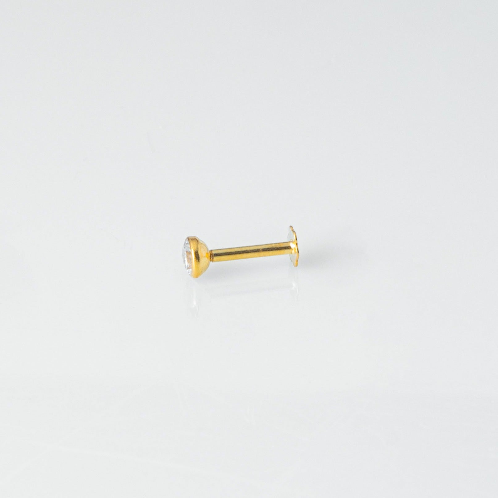 18ct Yellow Gold Screw Back Nose Stud set with Cubic Zirconia in a Rub Over (Bezel) Setting (3mm - 3.25mm)