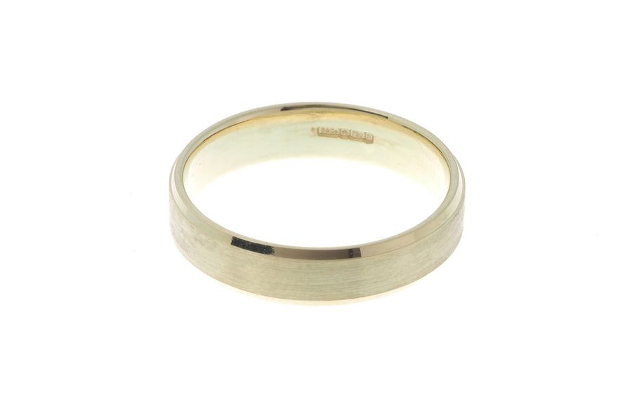 18ct 'Champagne' Yellow Gold Gents Flat Court Wedding Band with Diamond Cut Design R/WBUFDChamDiaCut
