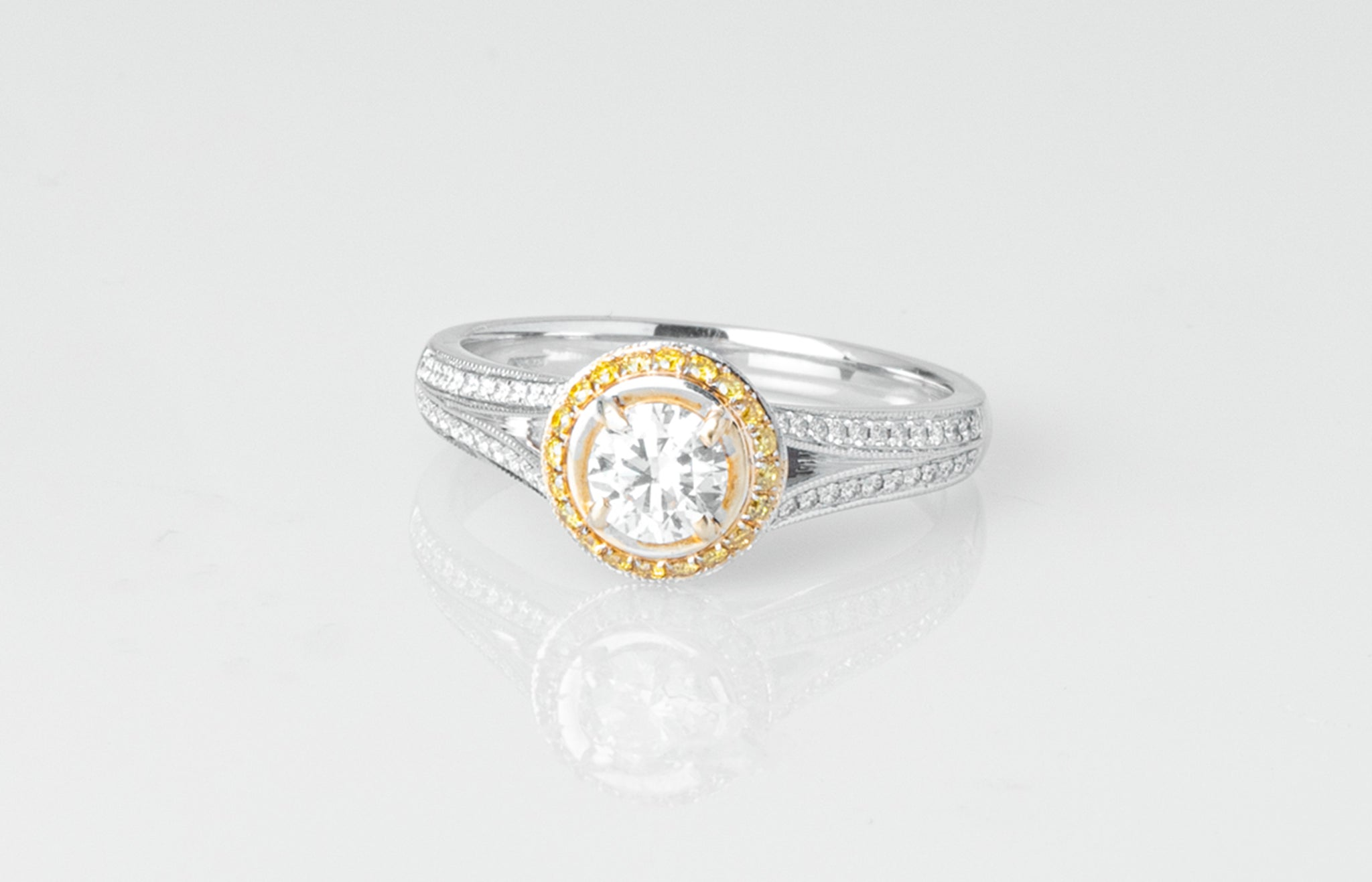 18ct Gold Diamond Engagement Ring VDRA1197