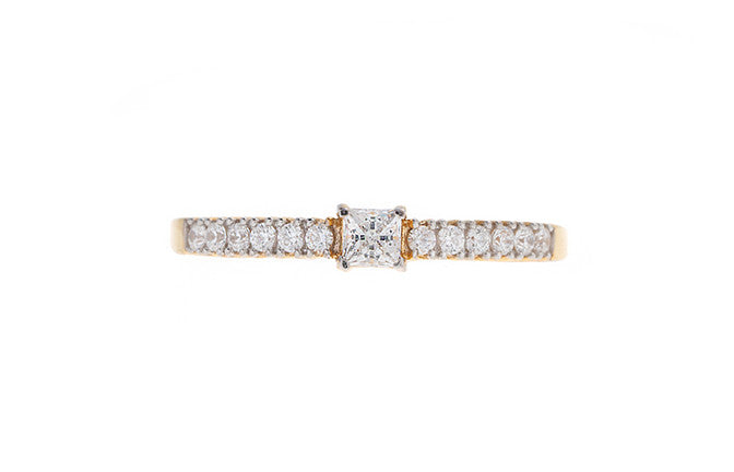 22ct Gold Cubic Zirconia Engagement Ring VLR007