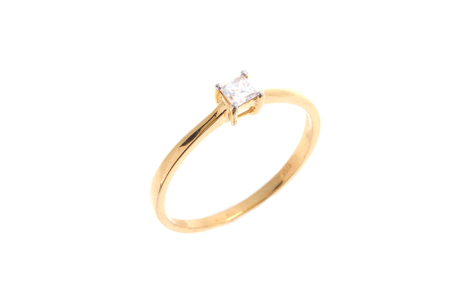 22ct Gold Cubic Zirconia Engagement Ring VLR019