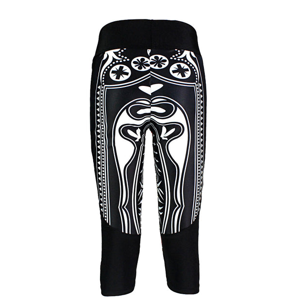 QUEEN OF HEARTS ATHLETIC CAPRI - Lotus Leggings