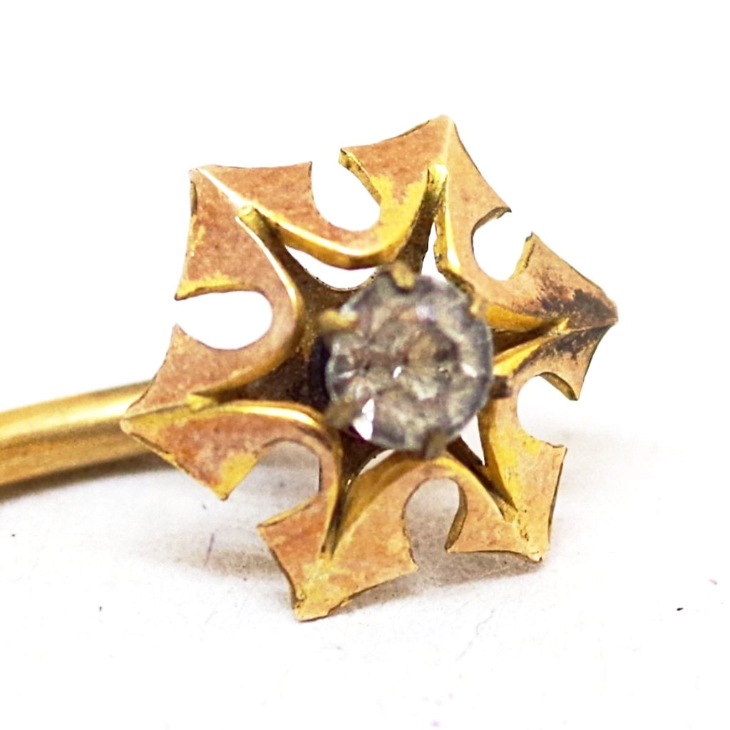 18k Six Pointed Diamond-Set Stick Pin