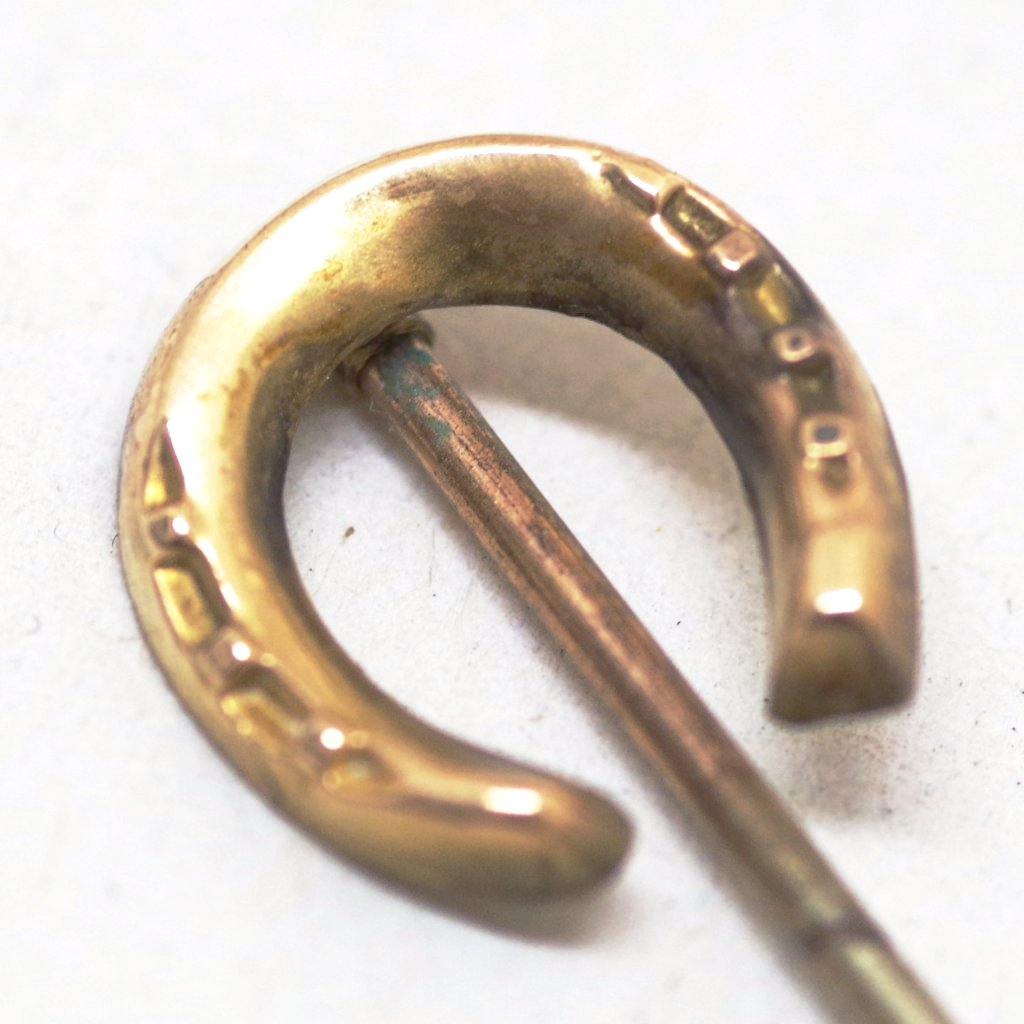 14k Gold Grooved Horseshoe Stick Pin