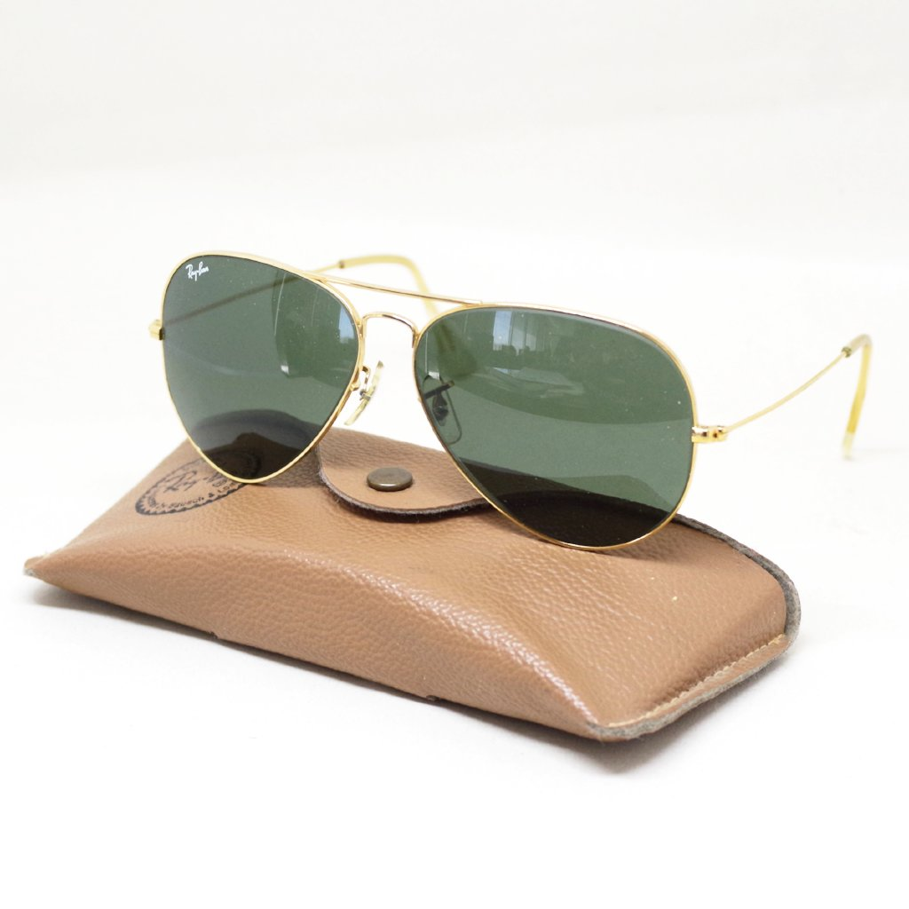 00e46b15266e Vintage Bausch & Lomb Ray-Ban Aviators w/ Case – Put This On