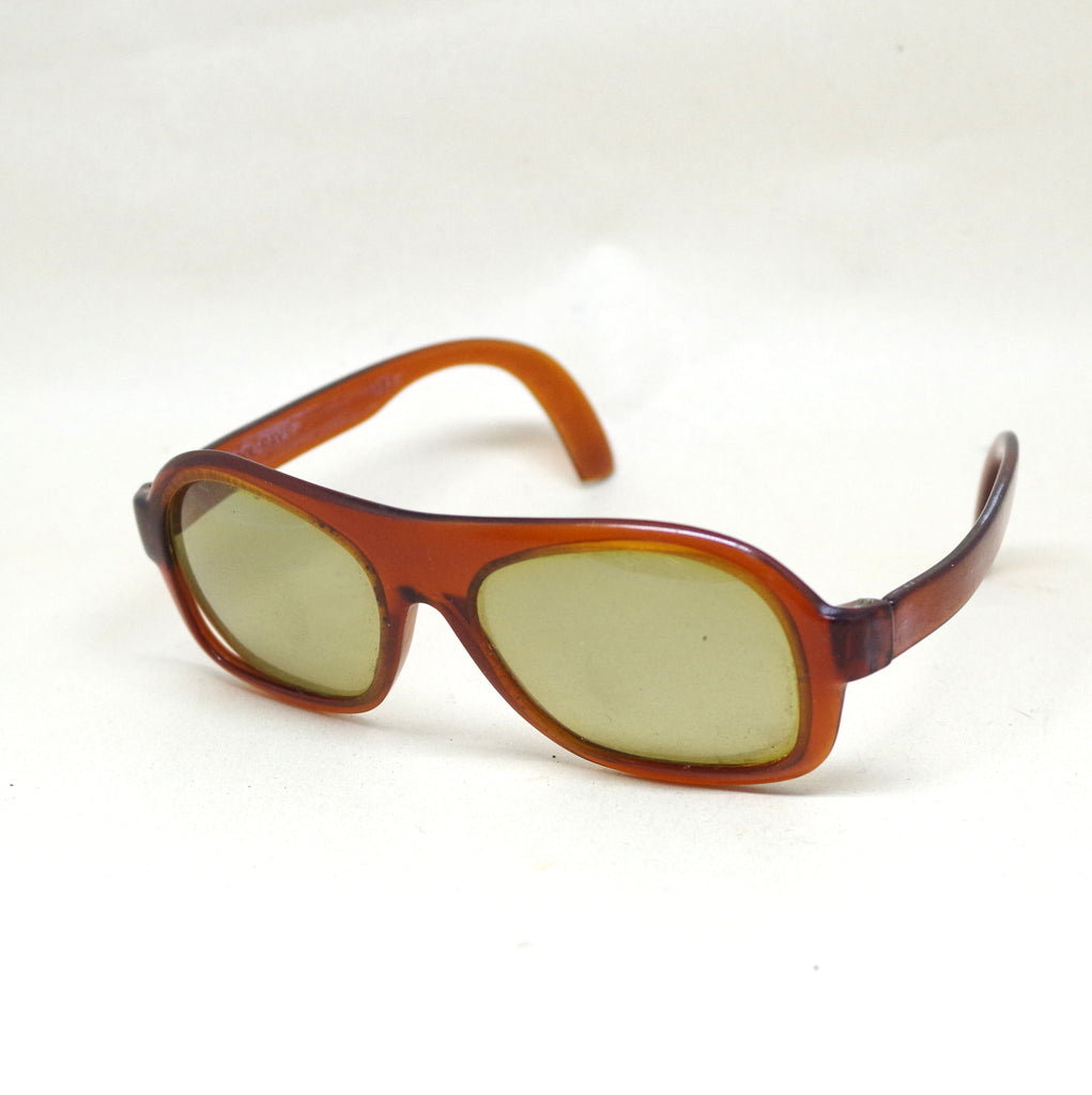 Sporty Amber 1960s Cool-Ray Sunglasses
