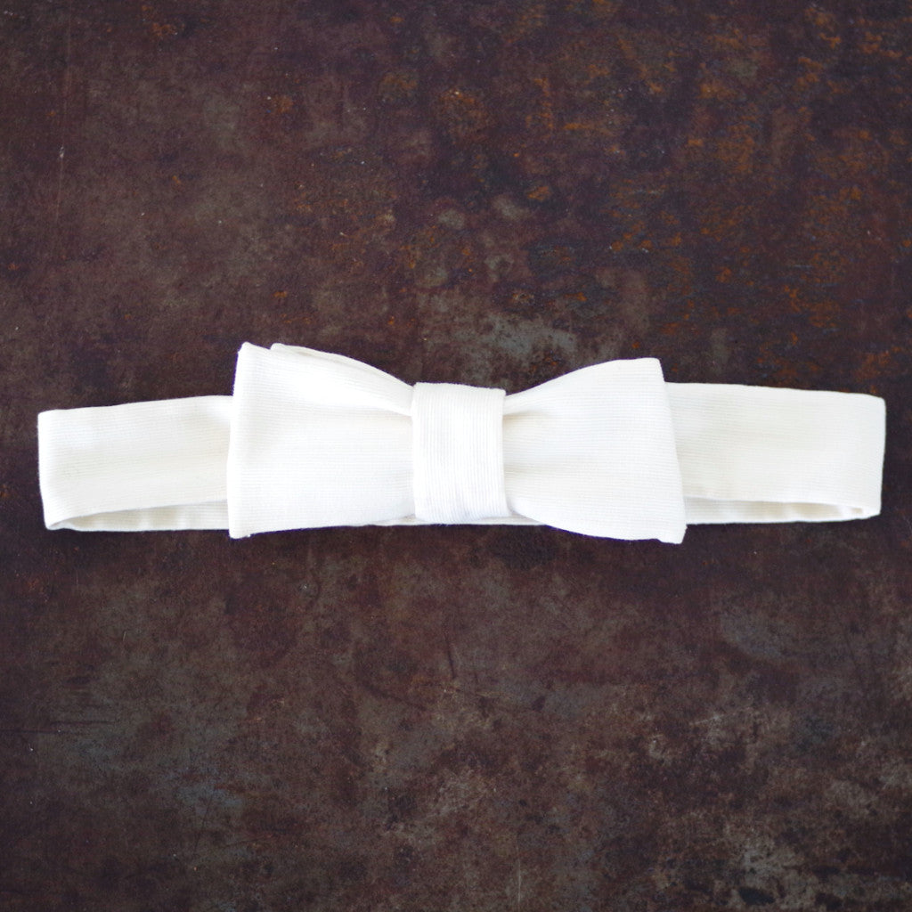 Vintage White Cotton Bow Tie