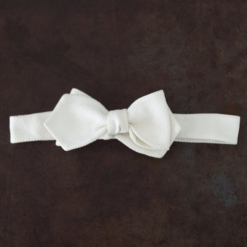 Vintage Textured White Cotton Bow Tie