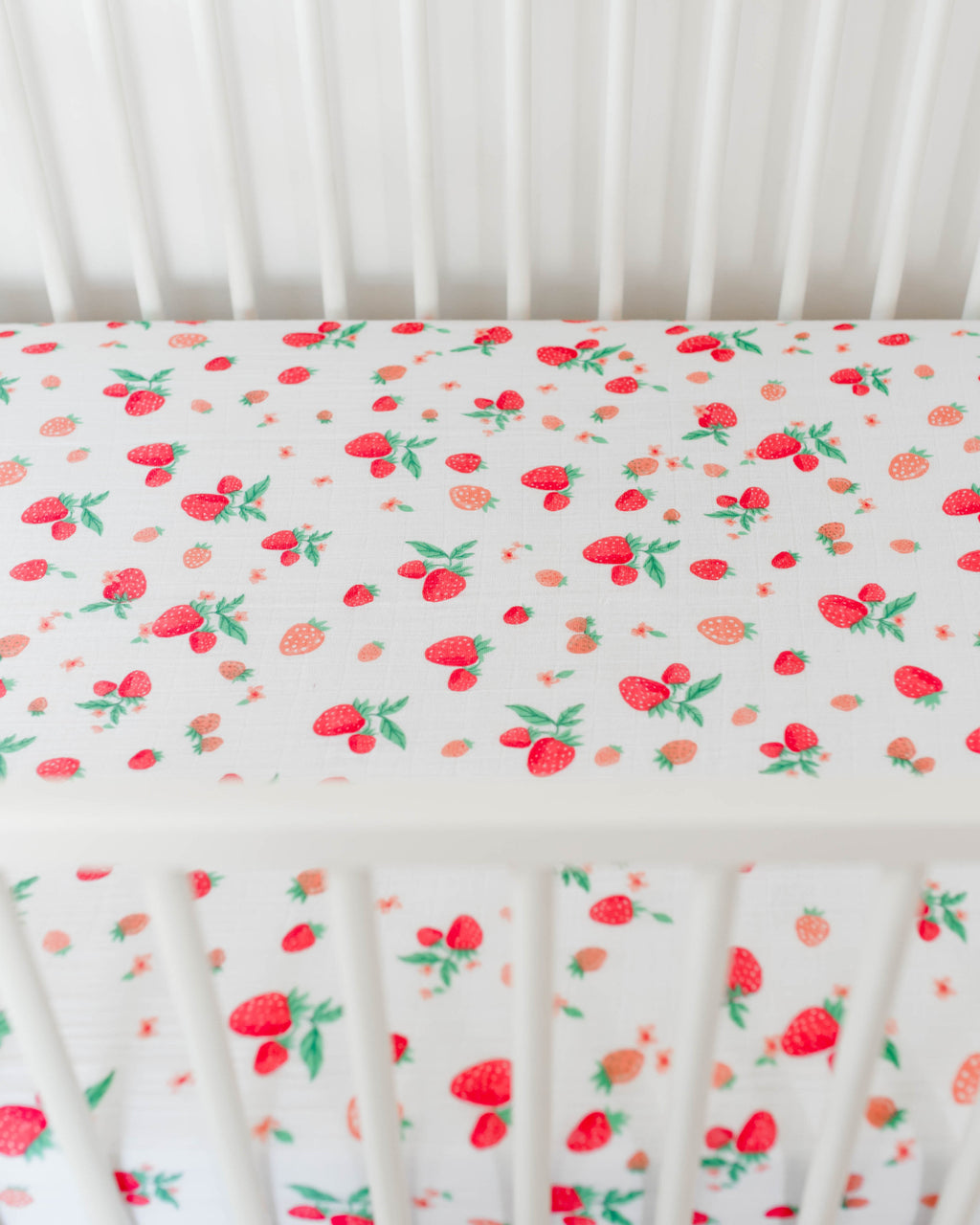 Cotton Muslin Crib Sheet - Strawberry