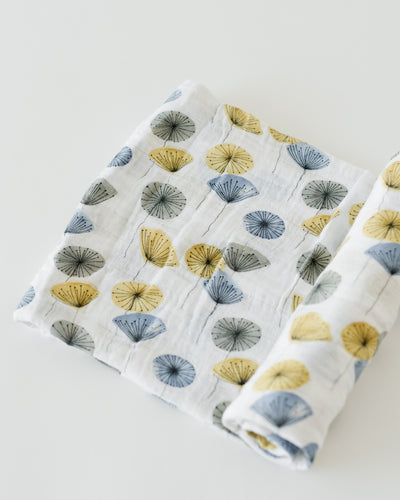 LU + The Boss Baby Cotton Swaddle - Mod Flower