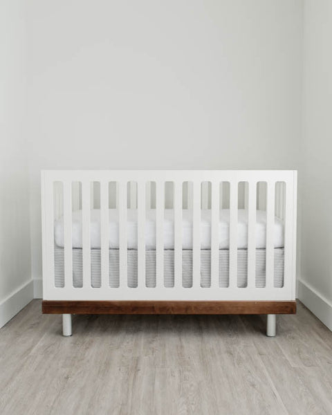Percale Crib Skirt - Grey Stripe