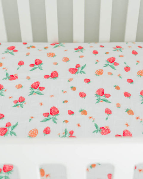 Brushed Muslin Crib Sheet - Strawberry
