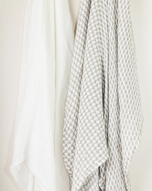 Bamboo Swaddle Set -Houndstooth detail