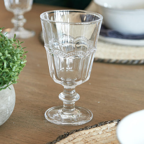 Short stemmed wine glass with decorative beading