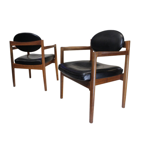 RARE Matching Pair of Vintage Black Leather Oval-Back Lounge Chairs by Jens Risom