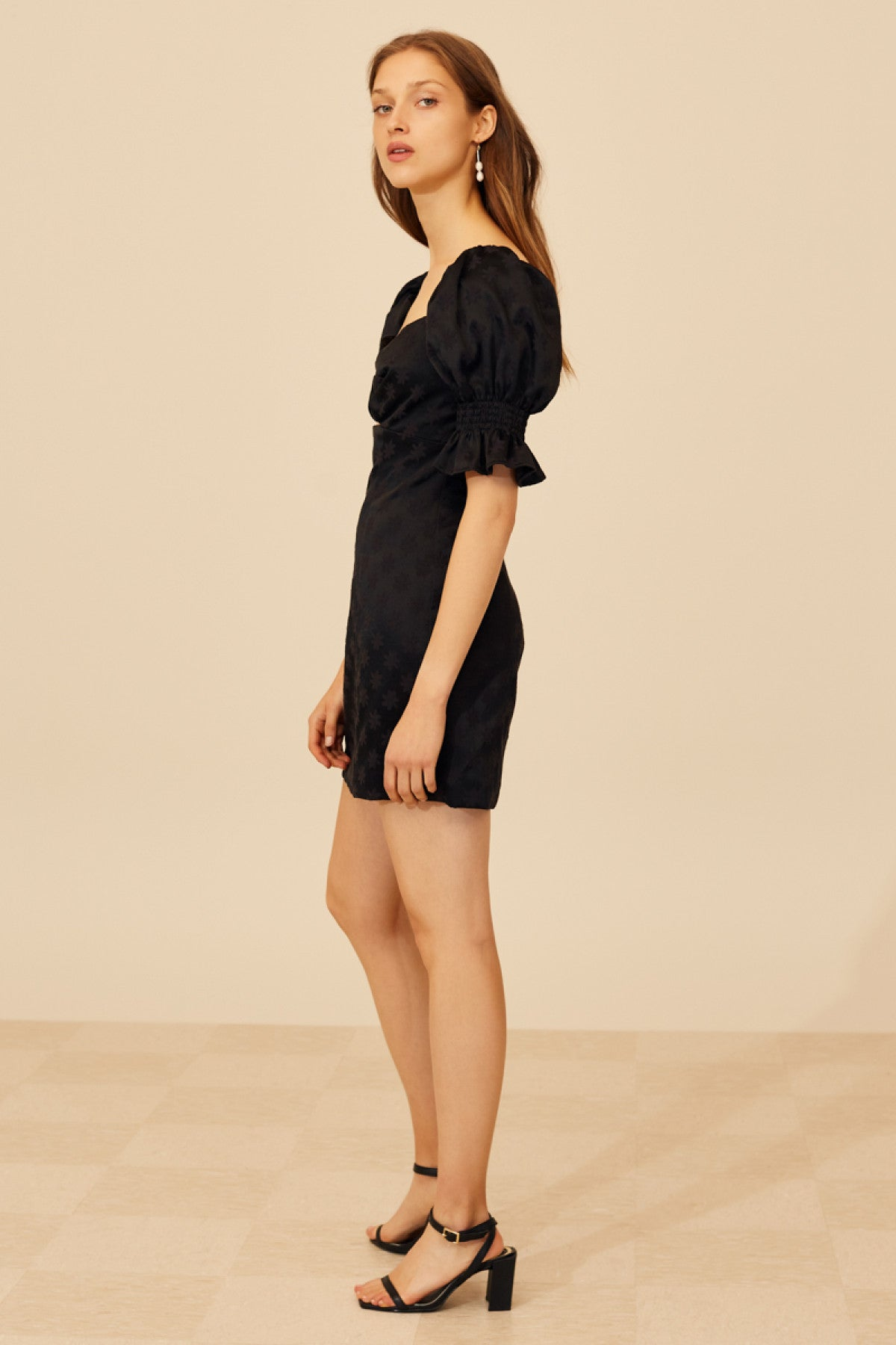 ELATE SHORT SLEEVE DRESS black