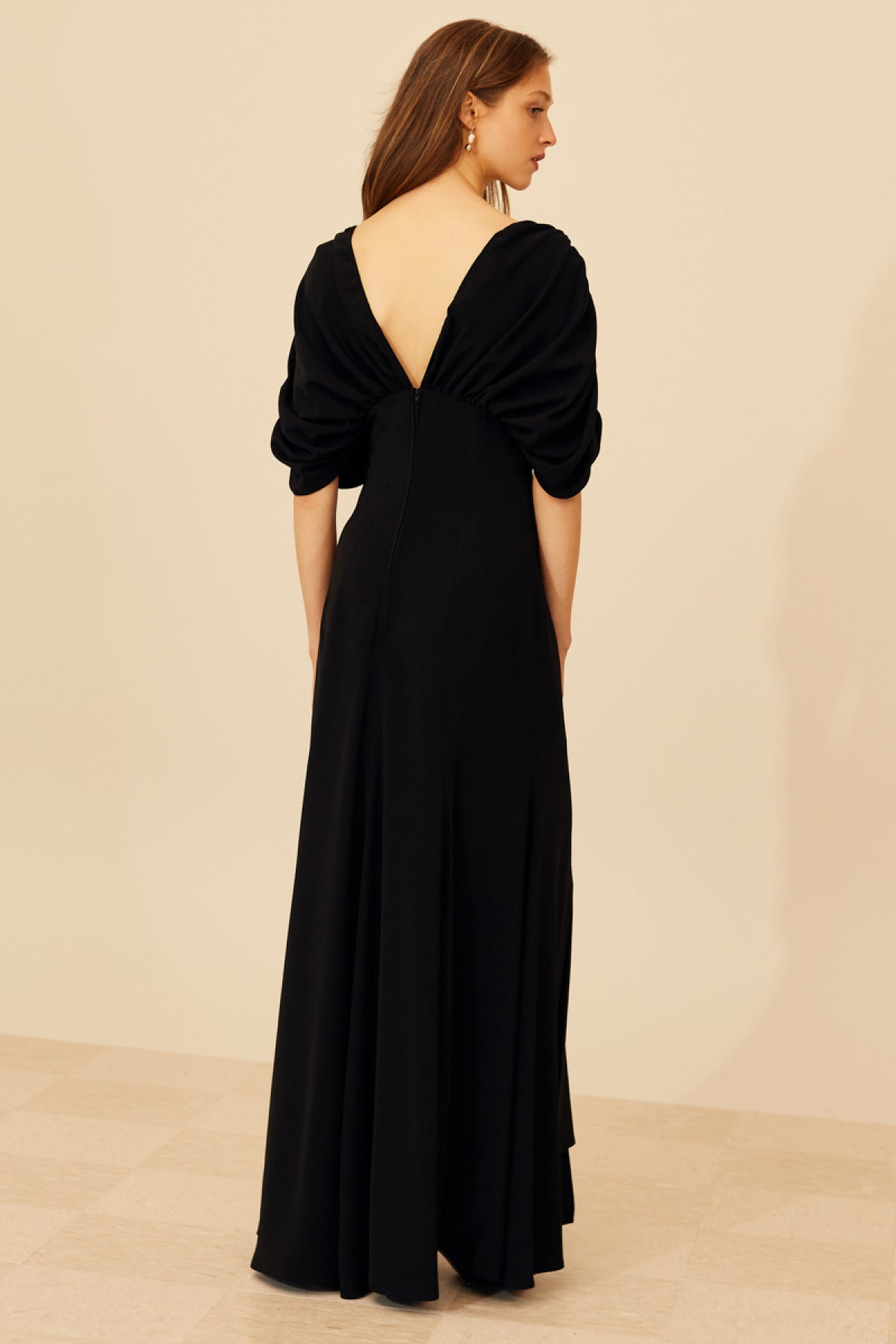 OVATION GOWN black