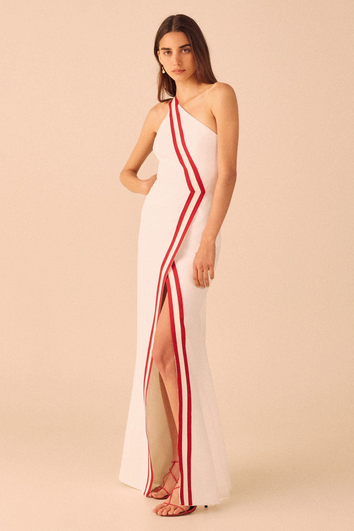 PURSUE GOWN white w red